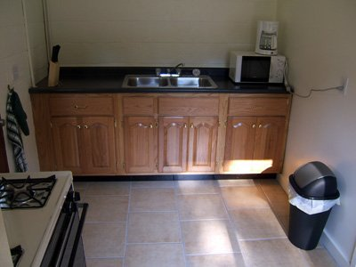 06 - Kitchen area