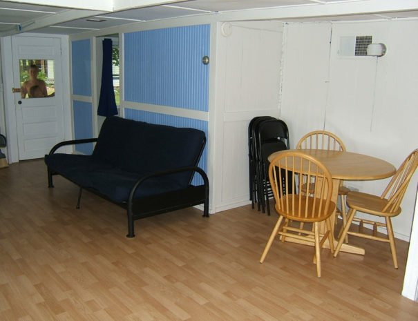 07 - Living room and dining area