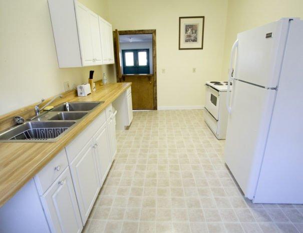 Kitchen looking to hallway